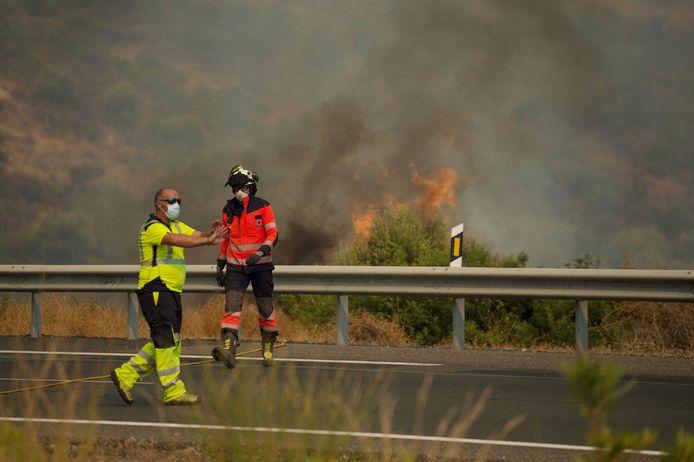 Brandweermensen aan het werk in Estepona, Malaga.