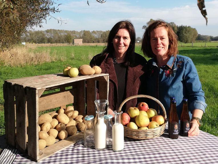 Schepenen Maria Van Keer en Goedele Uyttersprot lanceren 'Van Boer tot Bord' om de lokale korte keten te promoten.