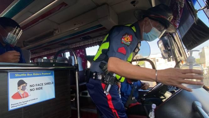 Dertien doden nadat busje in kanaal terechtkomt op de Filipijnen