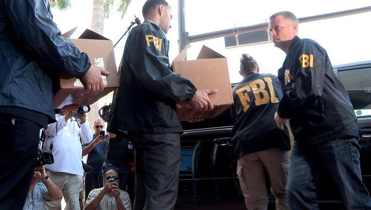 De FBI neemt documenten in beslag bij de FIFA.