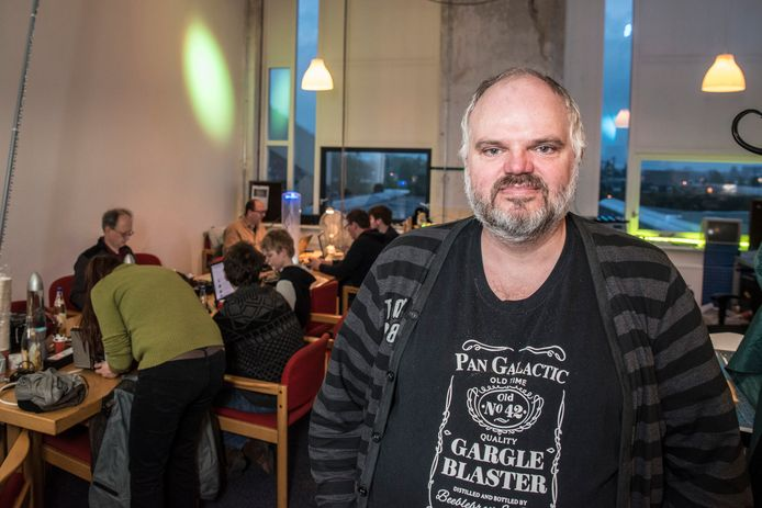 Dave Borghuis is als eigenaar van de creatieve werkplaats Hackerspace Tkkrlab begaan met privacyvraagstukken in de digitale wereld.