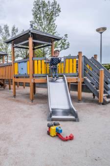 Vervuilde grond onder speeltuin: 'Die kinderen ademen gewoon kankerverwekkende stoffen in!'