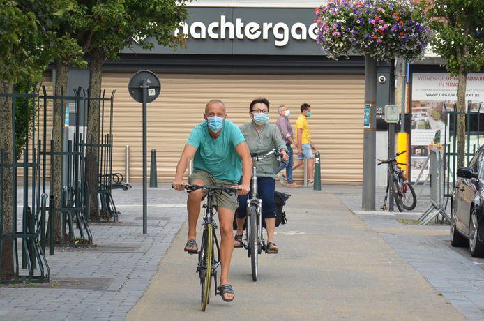 De algemene mondmaskerplicht in Ninove wordt afgeschaft.