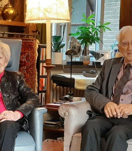 Charles en Ton hielden hun relatie geheim via brieven