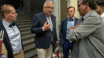 Prins Laurent pleit voor meer middelen voor dierenkliniek