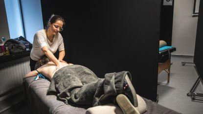 HoGent trakteert blokkende studenten op massage