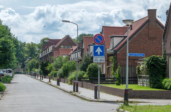 De Prins Frederik Hendriklaan in Harderwijk. Vorige week zaterdag werd hier een asielzoekers mishandeld door meerdere personen.