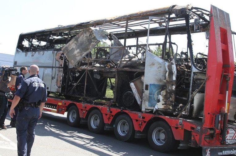 Bij een bomaanslag op een bus met Israëlische toeristen in Bulgarije vielen in juli vorig jaar acht doden. Beeld EPA
