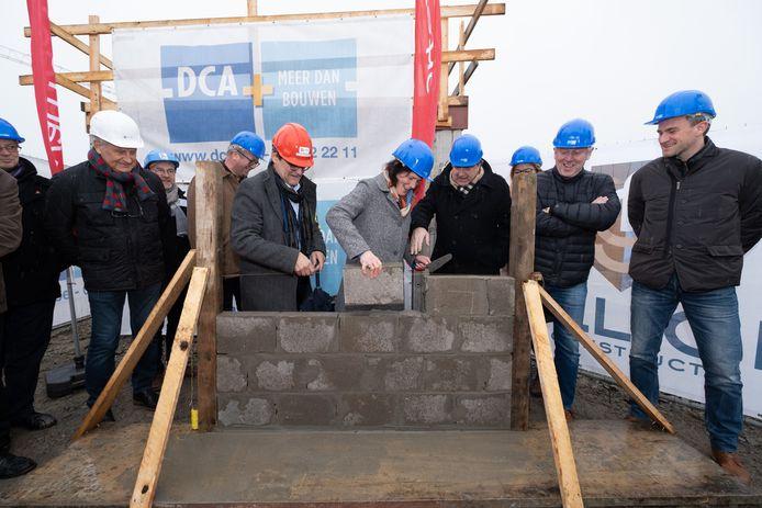WILLEBROEK Eerste steenlegging van de 308 woningen aan de Akkerlaan