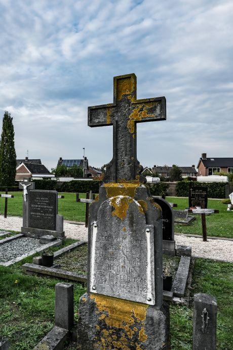 Peter wil het graf van zijn opa Leen - de Cent - Muilwijk redden: 'Maar de gemeente zegt nee'