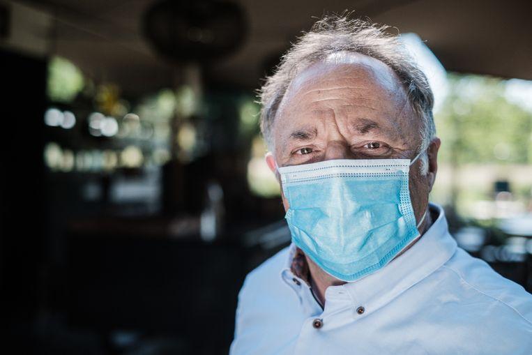 Van Ranst: 'Korte pijn? Die duurt zeker tot het einde van de paasvakantie.' Beeld Bob Van Mol