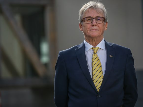 Burgemeester Huub Broers van Voeren.