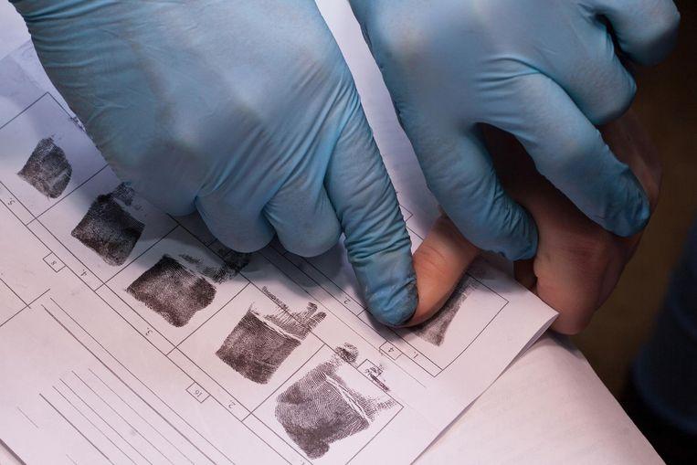 Vanaf 2020 zullen vingerafdrukken opgeslagen worden op elektronische identiteitskaarten. Beeld Thinkstock