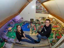 Deze enorme Legofans wonen in Lochem en de hele wereld weet nu waarom dat zo bijzonder is