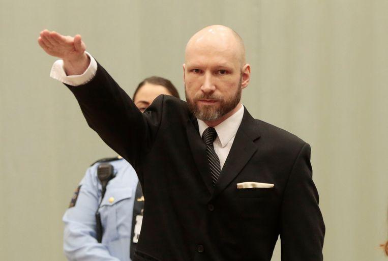 Anders Breivik bracht tijdens zijn proces meerdere keren de Hitlergroet. Beeld AFP