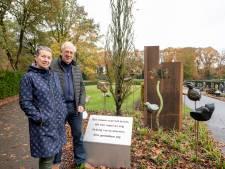 Kunstenaars maken monument voor overleden kinderen op begraafplaats Nijverdal