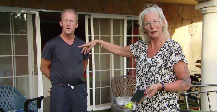 Jacob en Jennie in discussie over de opslagkamer.