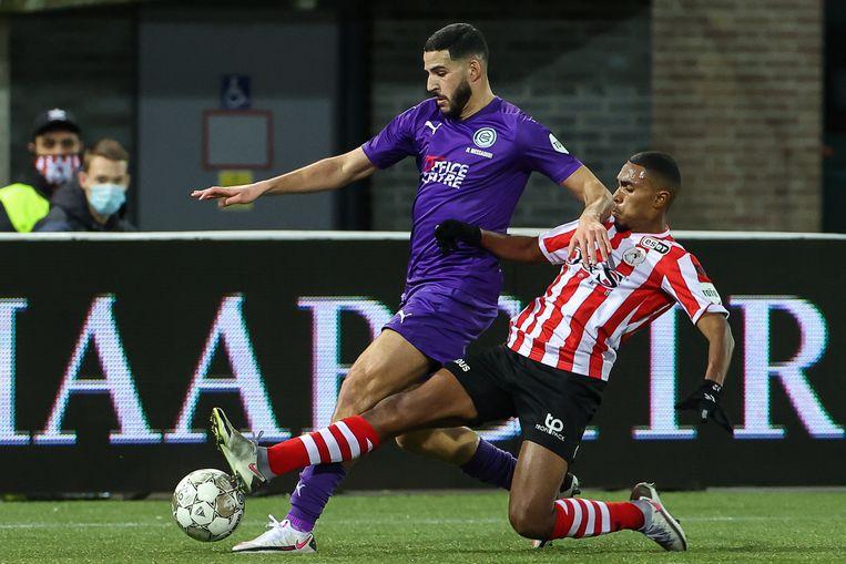 Ahmad El Messaoudi van FC Groningen in duel met Deroy Duarte van Sparta. Beeld BSR Agency
