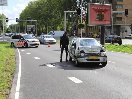 Verkeerschaos na aanrijding op Prinses Beatrixlaan