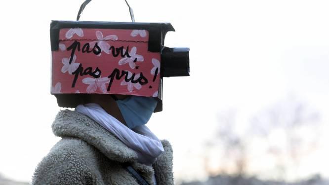 Ondanks felle protesten legt Frankrijk het filmen van agenten aan banden: tot 45.000 euro boete