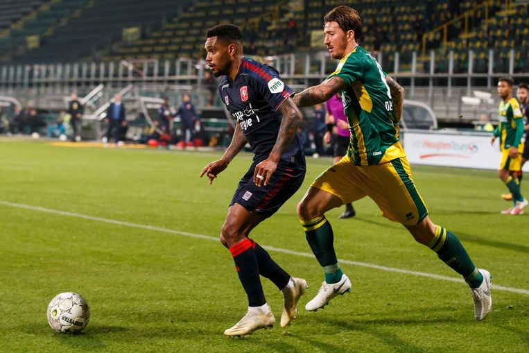 Danilo (links), een van de meeste effectieve spelers in de eredivisie tot nu toe, in actie tegen ADO Den Haag.  Beeld ANP