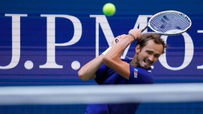 Medvedev doet het ook tegen Auger-Aliassime in drie sets en bereikt finale
