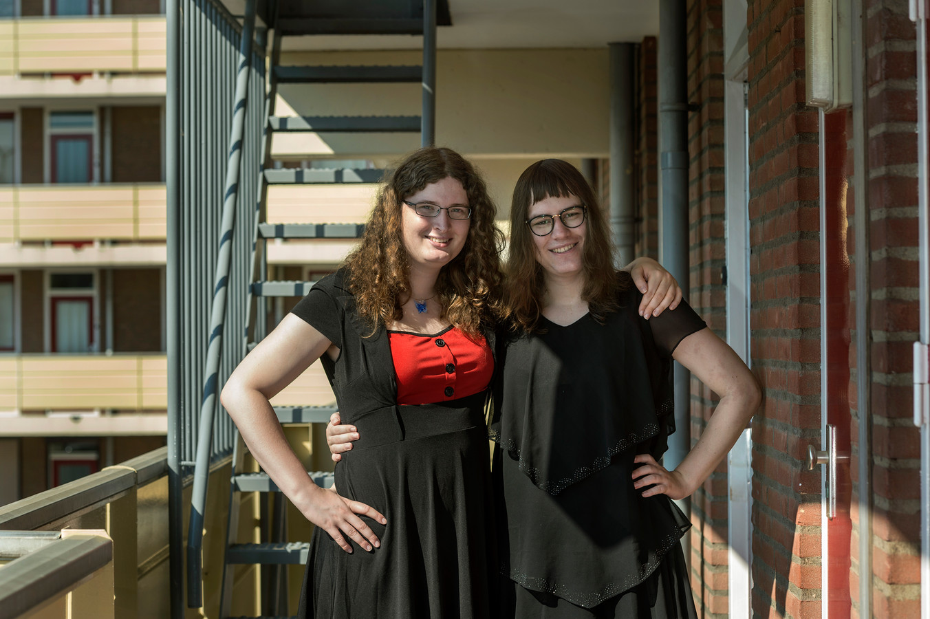 Transgenderstel Kristiana Moretti (links) en Arianne Brink.