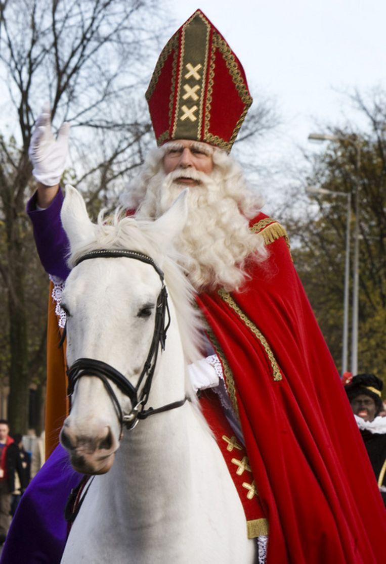 Amsterdamse Sint Dries Zee gaat met pensioen. Hij wordt vervangen door Jeroen Krabbé. Foto ANP/Koen Suyk Beeld