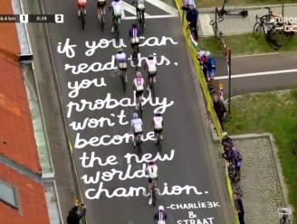 Street artist Straatletters krijgt lof van Michel Wuyts