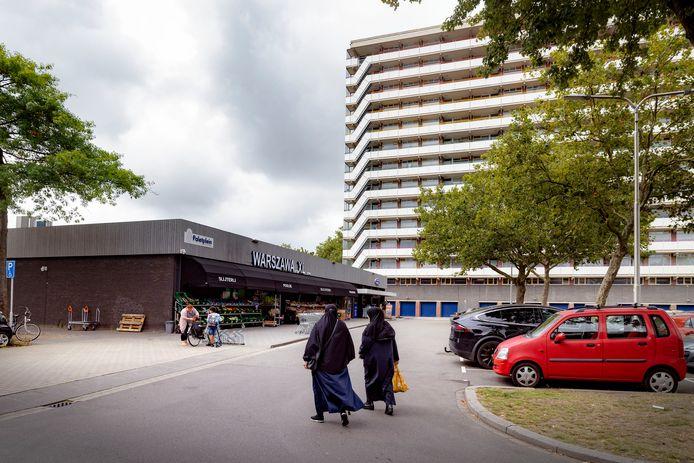 Het Paletplein in Tilburg-West. De wijk kent een lage vaccinatiegraad.