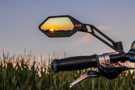 Een ander zicht op de zonsondergang in Harmelen.