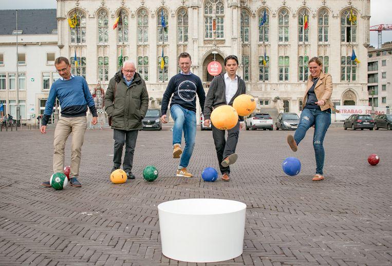 City foot golf, of voetbalgolf: voortaan is het mogelijk in de Sint-Niklase stadskern.