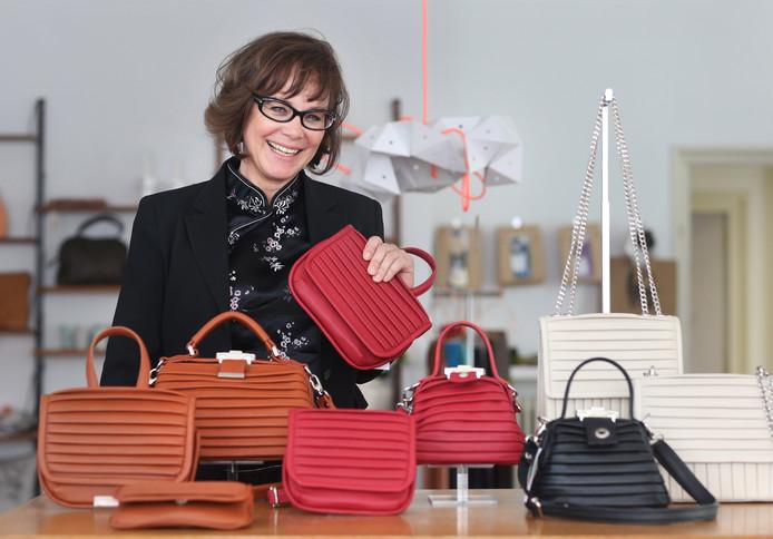 f3f37e86568 Mrs. Rosehip leert je zelf een tas te maken   Den Haag   AD.nl