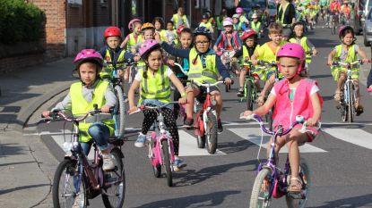 400 kinderen fietsen voor betere schoolomgeving