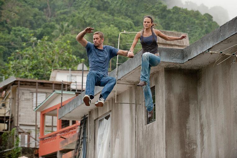 Paul Walker en Jordana Brewster in Fast Five. Beeld