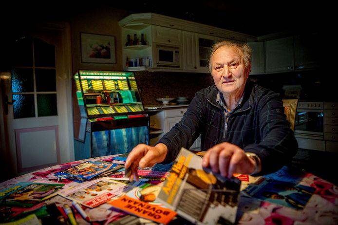 Henk Benders zoekt voor zijn jukebox Nederlandstalig 45- toeren singeltjes