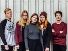The Spvrk op Popronde Almelo: 'catchy' en bijna lieve punk