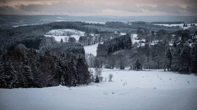Lichte sneeuw in Ardennen, droog met opklaringen elders