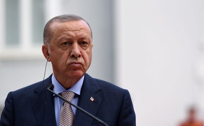 President Recep Tayyip Erdogan ligt op ramkoers met centrale bankiers.