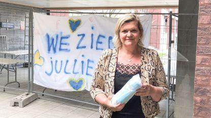 Gemeenteraadslid en nachtverpleegster Veronique Lenvain trekt met 500 mondmaskers naar rusthuizen en thuisverplegers in Brakel