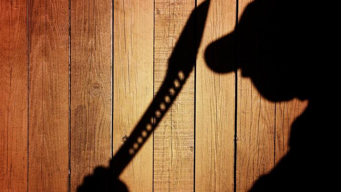 Een man in Drachten ging met machete een buurman te lijf