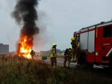 Felle brand in vrachtwagen op A77 bij Heijen