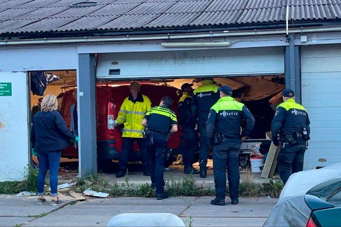 De Dienst Speciale Interventies van de Nederlandse politie deed in het onderzoek naar de ontvoering van de man onder meer een inval in deze loods.