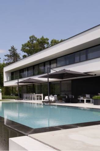 Dit is het droomhuis van Karin en Jan: strakke en duurzame betonbouw
