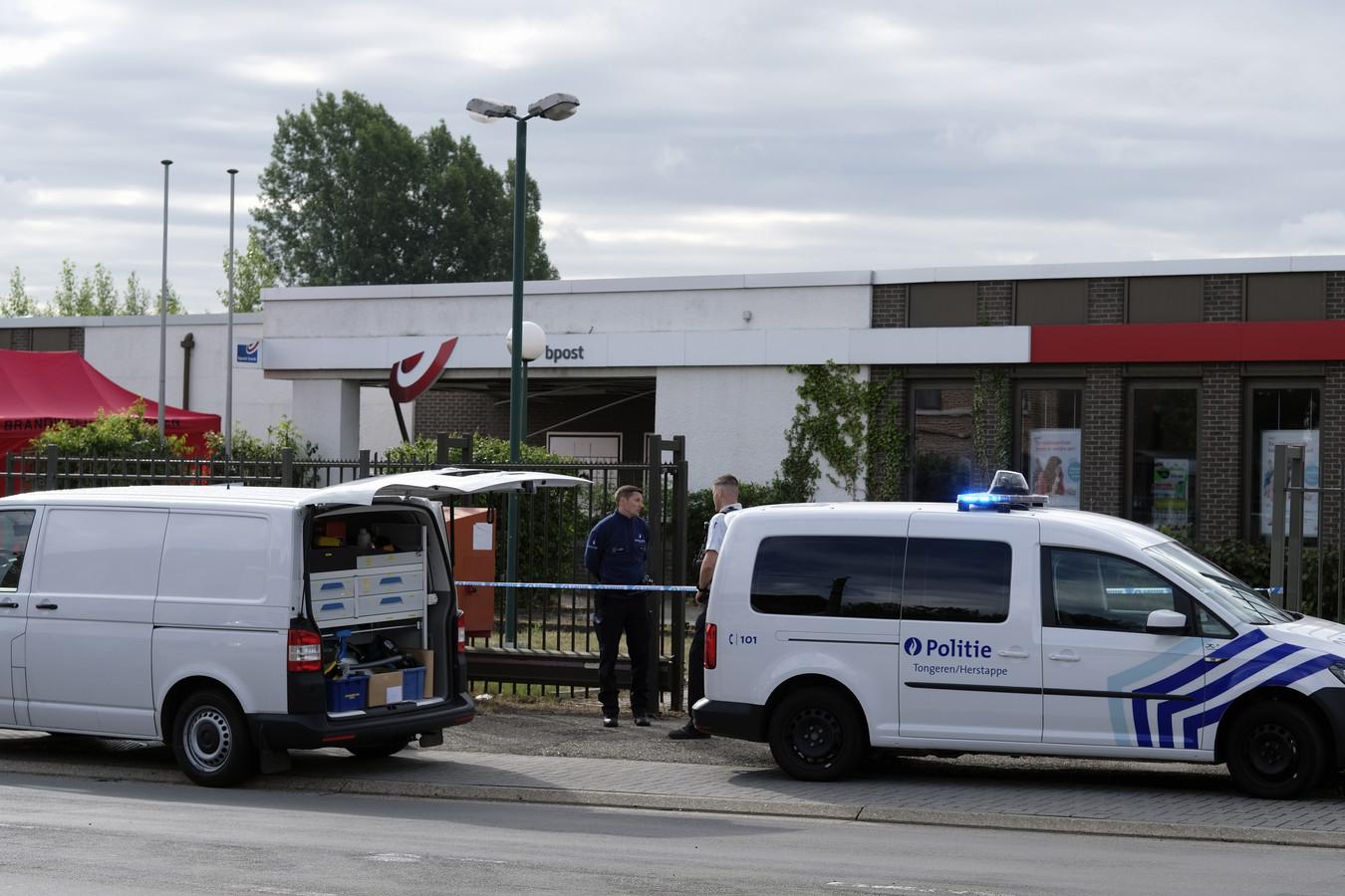 De plofkraak op het bpost-kantoor in Tongeren vond plaats in de nacht van 28 op 29 juni 2020. BELGA PHOTO ERIC LALMAND