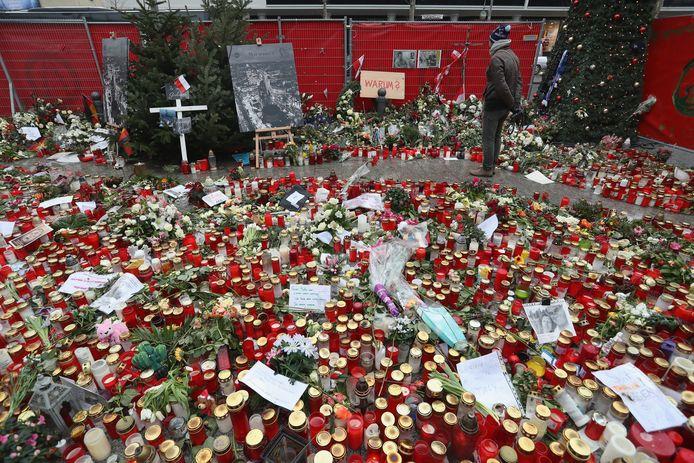 Duizenden Berlijners toonden hun medeleven na de aanslag.