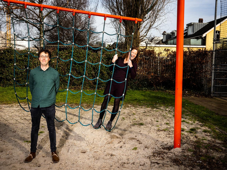 Thijs Bol en Inge de Wolf, oprichters van het Onderwijs-OMT.  Beeld Jiri Büller / de Volkskrant