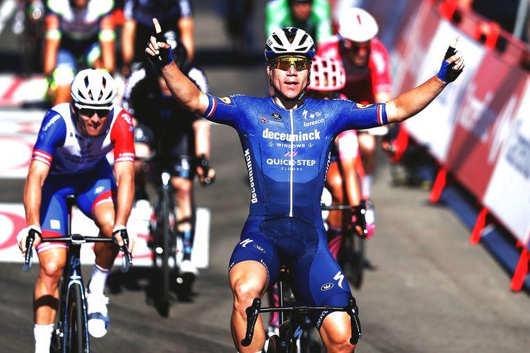 Met deze ritzege in Molina de Aragón bezegelde Fabio Jakobsen zijn terugkeer in de wielersport.   Beeld Getty Images