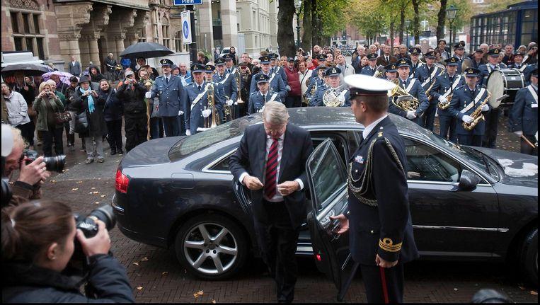 2010: minister Hans Hillen van Defensie verlaat de dienst-Audi. Beeld Hollandse Hoogte / Werry Crone