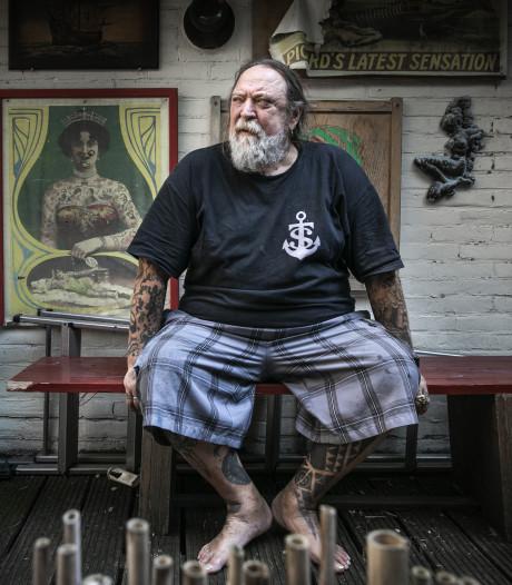 Kijkje in de keuken bij befaamde tatoeëerder Henk Schiffmacher